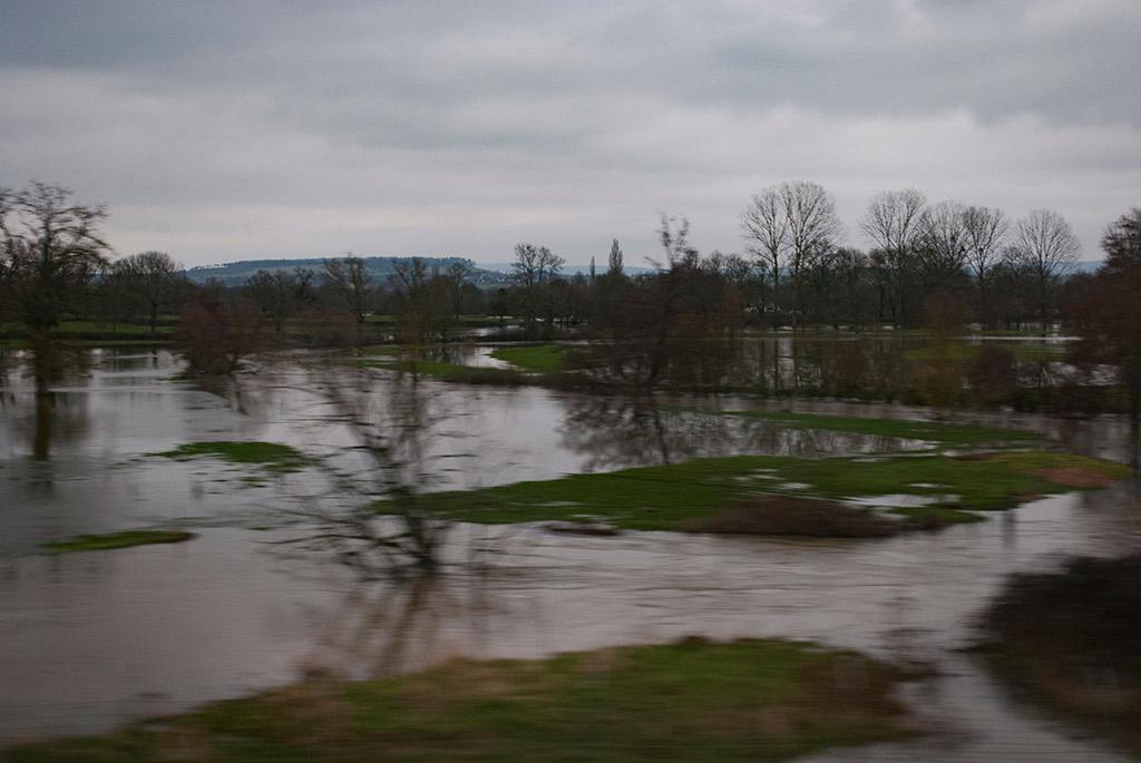 Voyage-en-TGV---Inondations_1